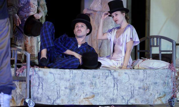 El Teatro de la Zarzuela presenta el estreno en Europa de 'Tres sombreros de copa'