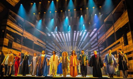 """""""33 El Musical"""": una experiencia religiosa actual"""