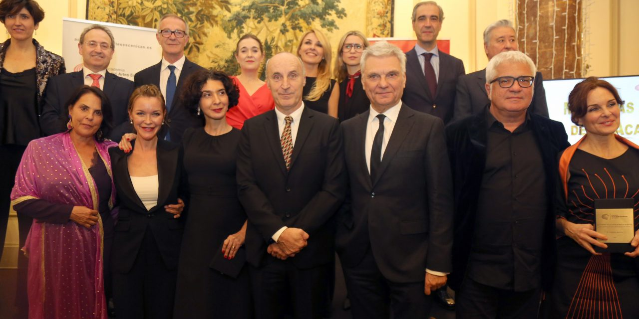Jesús Cimarro y Cayetana Guillén Cuervo presiden la gala de las Medallas de Oro de la Academia y Distinción de Honor