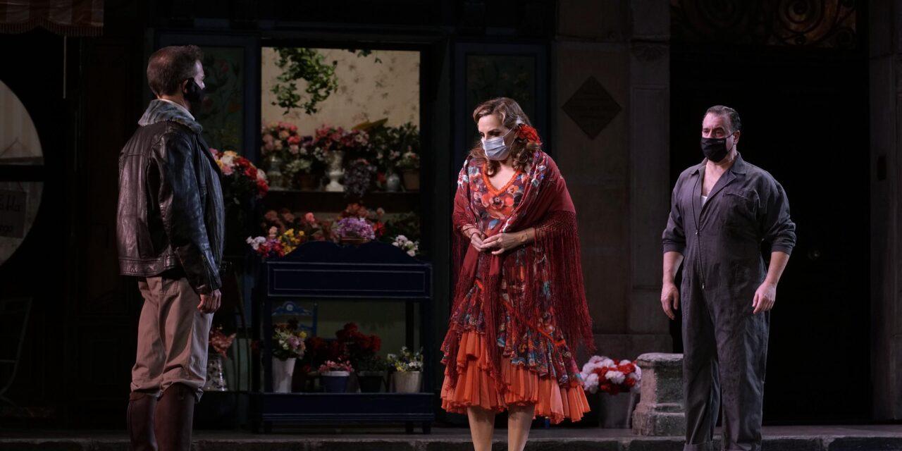 El Teatro de la Zarzuela celebra los 30 años de su montaje más emblemático y aplaudido: la producción de 'La del manojo de rosas' de Emilio Sagi